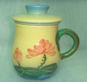 泡茶杯-鶯歌手拉杯泡茶杯-HP301 手繪荷花背面,寫字手拉杯
