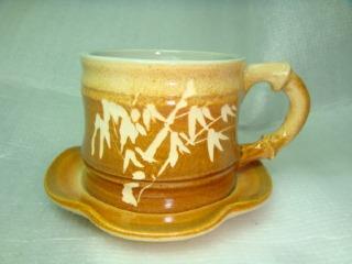 HGC302 < 咖啡色 手拉坏竹子型咖啡杯 >